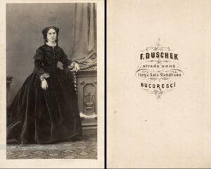 Elena Cuza (născută Rosetti) - portret inedit, pozitiv pe hârtie albuminată după un clișeu cu colodiu umed pe sticlă, lipită pe carton, format CdV, 101 x 63 cm (93 x 54 cm), atelier Franz Duschek, București, cca. 1865 - 1866, colecția Renascendis